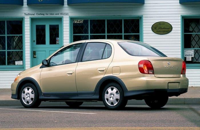 Toyota Echo-2001